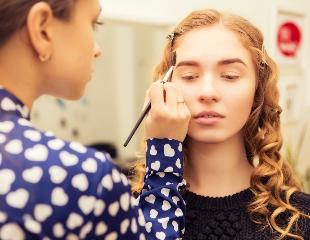 Дорога в индустрию красоты! Обучающие курсы по визажу, маникюру, стрижкам и косметологии от салона красоты CHANEL` со скидкой 50%!