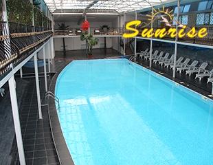 Отдых по полной! Крытый бассейн для взрослых и детей, джакузи до 40 градусов на открытом воздухе + финская сауна и хамам в зоне отдыхаSunriseсо скидкой 50%!