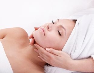Красота рукотворна! Уход за проблемной и возрастной кожей, чистка лица, массаж и парафинотерапия со скидкой до 52% в салоне красоты SZ-Luxe!