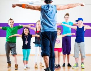 Грация и здоровье Ваших детей! Занятия современными и эстрадными танцами, а также breakdance для детей в студии «Роза» со скидкой до 55%!