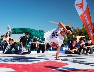 Занятия брейк-дансом для взрослых и детей от 7 лет в танцевальной школе Jungle street со скидкой до 60%!