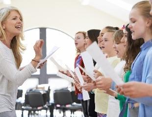 Научиться никогда не поздно! Уроки вокала, а также игра на фортепиано со скидкой 60% от арт-студии Prof Music Almaty!