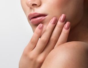 Магическое преображение Ваших рук! Маникюр и педикюр с лаковым и гелевым покрытием, а также наращивание ногтей со скидкой до 66% в салоне Express Beauty Room!