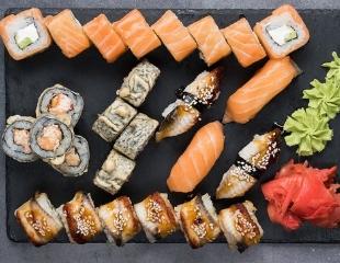 Вкусный ассортимент суши, роллов, супчиков и пиццы со скидкой до 50% от службы доставки LoveSushi!