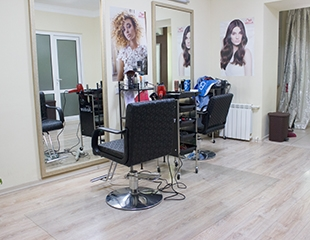 Преображайтесь стильно! Стрижки, укладки, окрашивание волос, Hair SPA, биозавивка и голливудские локоны в студии Beauty Cafe! Скидка до 70%