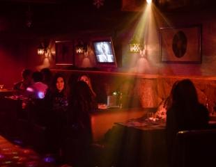 Пой, как звезда! Аренда кабинок в караоке Forte Пьяно на 2, 3 или 4 часа со скидкой до 76%!