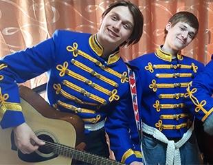 Признайтесь в любви по-гусарски! Закажите костюмированное представление «Гусарская баллада» с участием актеров! Скидка до 60%!
