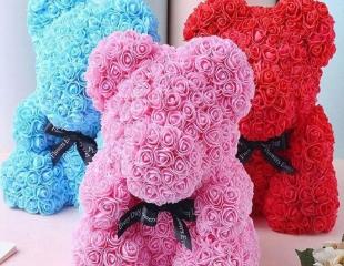 Любовь и нежность от самого сердца! Милые цветные мишки из роз от цветочного магазина AboutFlowers со скидкой 30%!