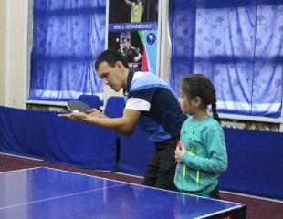 Играй в своем стиле! Посещение школы настольного тенниса со скидкой 50% от профессиональных тренеров!
