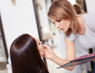 Постигните искусство макияжа! Курс «Сам себе визажист» в группе и индивидуально в салоне красоты Sunny Beauty House со скидкой до 50%!