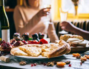 Добро пожаловать в дом настоящей грузинской кухни и гостеприимства — Georgian House! Скидка 50% на все меню и бар!