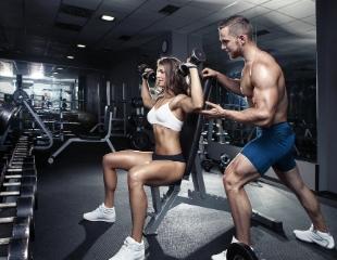 Надо подкачаться! Дневные и вечерние абонементы на посещение тренажерного зала со скидкой 50% в фитнес-центре FitLife!