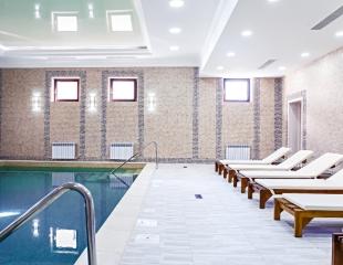 Релакс-тайм! Посещение бассейна, сауны и тренажерного зала в гостиничном комплексе Grand Park Esil со скидкой до 60%!