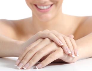 Порадуйте себя ухоженными ноготками! Nail-услуги для мужчин и женщин в студии красоты Gulniza со скидкой до 68%!