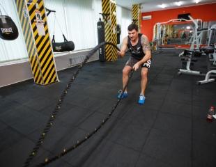 Тренировки, дающие результат! Дневные и безлимитные абонементы на посещение тренажерного зала + программы RBF с элементами тайского бокса со скидкой до 60% в Rounds Boxing & Fitness!