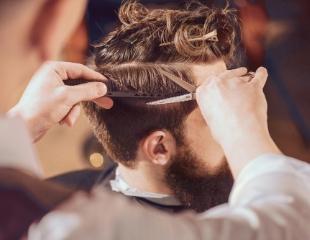 Настоящая мужская красота! Стрижки, моделирование бороды и усов, а также комплексные услуги от барбера Кайрата в салоне Beautydom! Скидка до 67%!