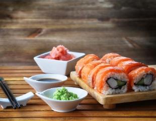 Попробуйте вкусное! Доставка суши и роллов от Lotus Sushi со скидкой до 50%!