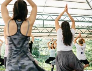 Окунитесь в мир гармонии! Все виды йога-практик, а также программа похудения «Дыши и худей» от центра «Заводной апельсин». Абонементы со скидкой 50%!