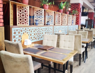 Шашлык, горячие традиционные блюда и многое другое со скидкой 50% на все меню и бар в кафе «Ихсан»!