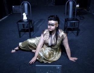 Посетите спектакль «Кармильхан» от актерского оазиса Кадеш 21 апреля в ART-убежище BUNKER! Билеты со скидкой 50%!