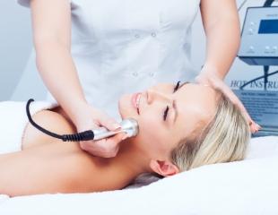 Чистка лица, пилинги, RF-лифтинг, мезотерапия, а также увеличение губ со скидкой до 70% от мастера Жупар в салоне красоты ArtFace!