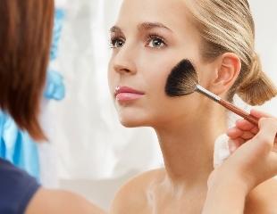 Для волшебных событий! Дневной и вечерний макияж, а также укладка в салоне красоты IYI KAYI со скидкой до 50%!