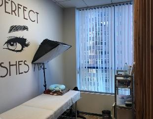 Перманентный макияж, а также индивидуальное обучение наращиванию и татуажу от мастера Даны со скидкой до 88%!