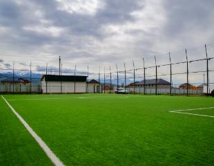 Поддержите командный дух! Аренда мини-футбольного поля Bai Group Team на 1, 2 и 3 часа со скидкой 50%!