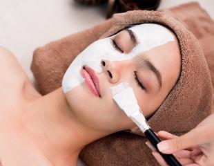 Сезон для преображения кожи! Пилинги, чистки лица и аппаратная косметология в Nizamova Beauty and SPA со скидкой до 61%!