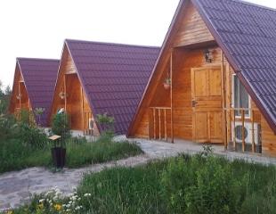 Алаколь ждет вас этим летом! Проживание в номерах, VIP-коттеджах и домиках в стиле «Вигвам» со скидкой 30% от базы отдыха «Фортъ Верный»!