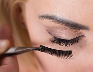 Наращивание и ламинирование ресниц от мастера Айгерим в салоне красоты «Анжани» со скидкой до 52%!