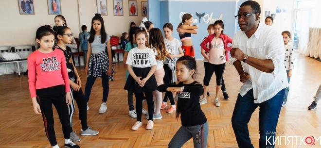 Детский лагерь в школе Fashion Angels, 1