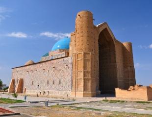 Однодневные туры из Шымкента в Туркестан от туристической компании «Поехали с нами» со скидкой до 35%!