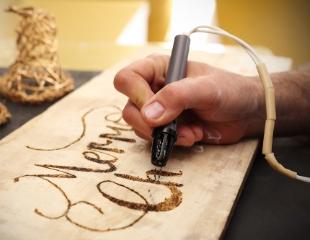 Посетите мастер-класс «Выжигание и рисование по дереву» от компании Handcrafts в ТРЦ Grand Park со скидкой 30%!