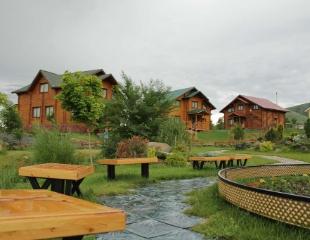 Чистый воздух, прекрасные виды и отдых от городской суеты! Аренда коттеджей в природно-развлекательном парке Home Club со скидкой до 42%!