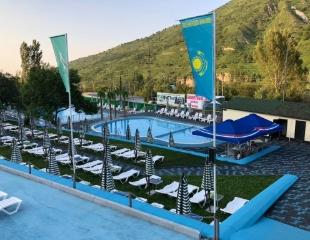 Яркое солнце, свежий воздух и отличный сервис для Вашего отдыха! Посещение бассейна NASH и VIP-зоны с сауной и купелями в горном комплексе «Сункар»! Скидка 35%!
