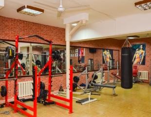 Не переставайте тренироваться! Безлимитные и дневные абонементы на посещение тренажерного зала King Gym со скидкой до 60%!
