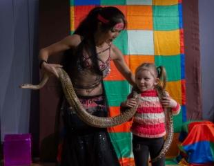 Смешно, весело и активно! Посещение цирка Шапито в театре La Bohême Шапито со скидкой до 31%!