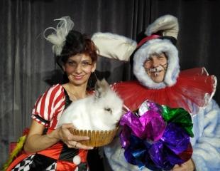 Посетите магический спектакль «В гостях у кролика Роджера» 22 и 29 июня в театре La Bohême Шапито! Билеты со скидкой 30%!