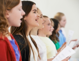 Твой победный голос! Индивидуальное обучение вокалу для детей от Школы вокала Vi Voice. Со скидкой до 65%!