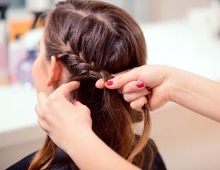 Стильные детали Вашего образа! Плетение кос и качественный уход за бровями и ресницами от студии красоты «Sun Tropez» со скидкой 60%!