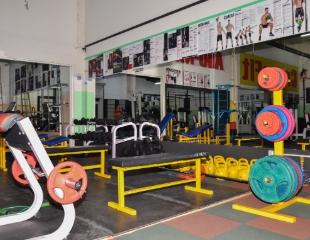 Сила и мощь! Посещение тренажерного зала, а также кросс-тренировки в спортивном клубе AyuMan со скидкой до 67%!