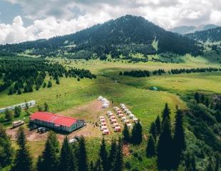 10 дней — 100 навыков кочевника! Проживание в казахских юртах, походы, стрельба из лука и многое другое в детском этнографическом лагере Tengri Camp! Скидка 50%!