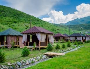 Восстановите силы на отдыхе в горах! Аренда топчанов и беседок на новой зоне отдыха «АлтынТау» в Тургенском ущелье со скидкой 50%!