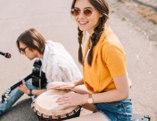 Играй в своем ритме! Уроки игры на бразильских, кубинских, турецких и африканских барабанах от Drumschool со скидкой до 60%!