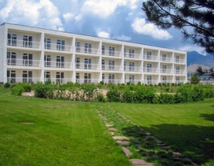 Солнечный Иссык-Куль во всей красе! Проживание в пансионате «Фонтан» с 1 июля по 9 июля со скидкой до 26% от компании Raduga Travel!