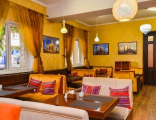 Восточная кухня, более 10 видов вкуснейшего лагмана, домашняя выпечка и многое другое! Все меню и напитки в халал-кафе «Султана» со скидкой 50%!