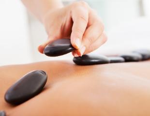 Мануальная терапия, а также оздоравливающий и коррекционный массаж со скидкой до 76% от Семейной клиники Восточной медицины!