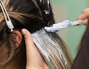 Блистательно красиво! Стрижки, окрашивание и другие услуги для волос в салоне красоты Diamond со скидкой до 65%!