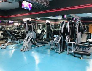 Мощный подход! Посещение тренажерного зала LUX GYM в удобное Вам время со скидкой до 54%!